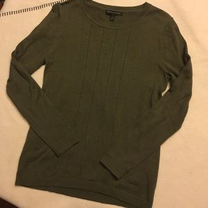 Army green Banana Republic Sweater. Size Small.